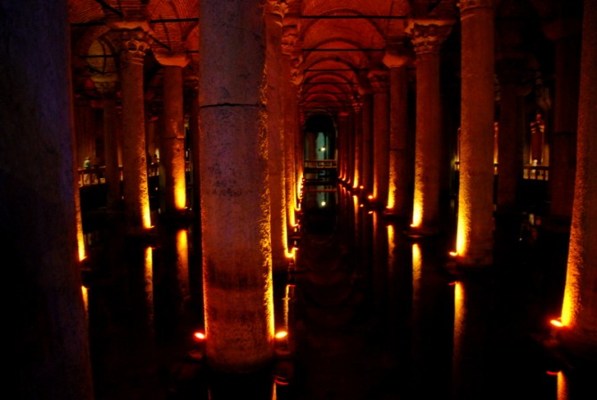 "One must visit in Istanbul: The sunken palace ""Basilca Cistern"""