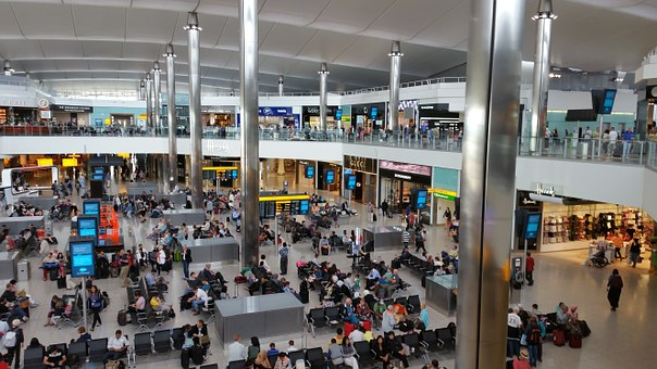 A Practical Airport Guide Inside London Gatwick - Traveler's Little